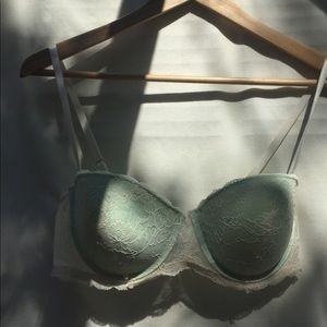 Forever 21 White Lace with Mint Underlay Bra